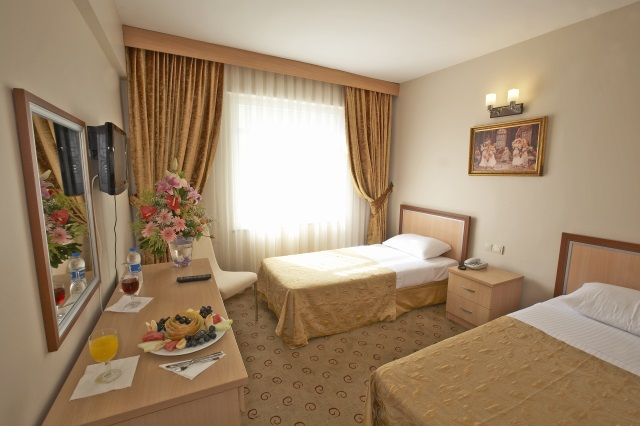 Hotel in laleli sultanahmet hotels martinenz for Cheap hotels in istanbul laleli